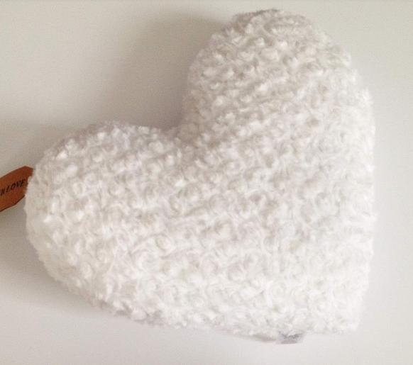 Coussin Coeur blanc Primark Shopping décoration