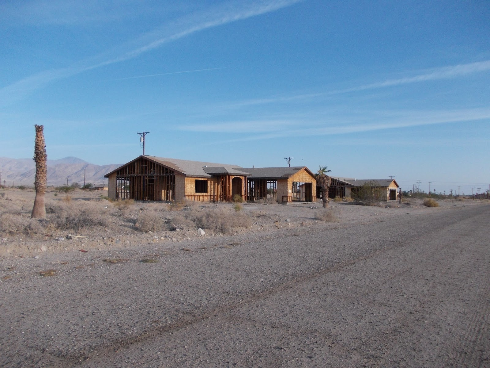 salton city Salton city, ca (california) houses and residents median year house/condo built: 2001 median year apartment built: 2004 household type by relationship.