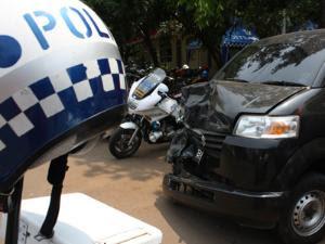 mobil, mobil_kecelakaan, mobil_rusak
