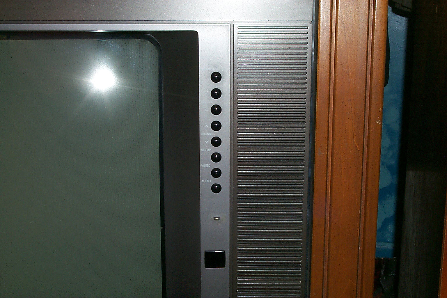 Helpful Tech Repair  1991 Rca 25 Inch Cabinet Tv Review