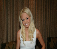 Julia, single woman (28 yo) looking for man date in United Kingdom
