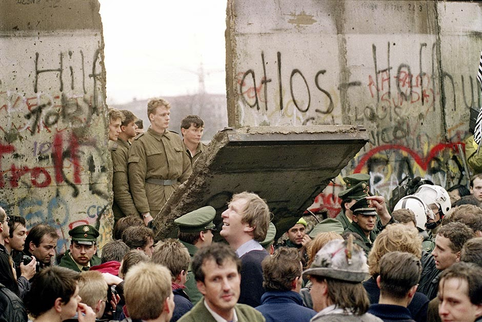 an analysis of the berlin wall and its impact on the world In fact, though, border walls and fences are currently going up around the world at the fastest rate since the cold war such as the berlin wall.