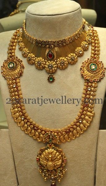 Grandeur Antique Jewelry for Special Occasions