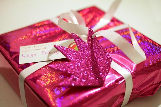 hyväntekeväisyys lahja lapselle joulupuukeräys