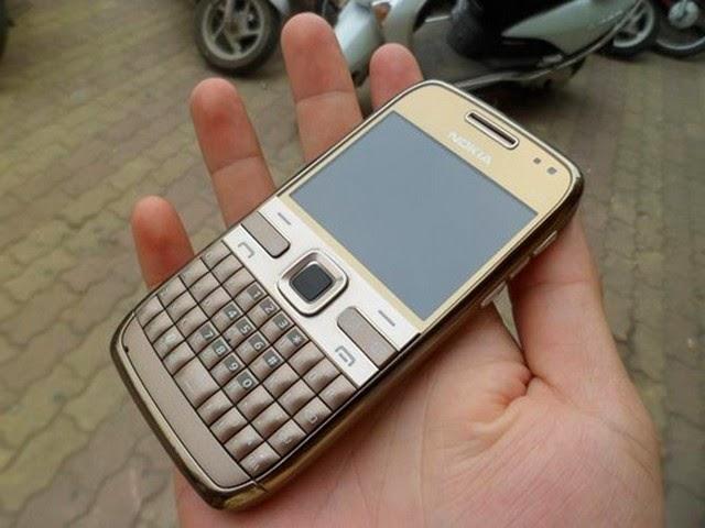 www.123nhanh.com: Điện thoại độc nokia E72 hàng chuẩn xịn giá chỉ ***