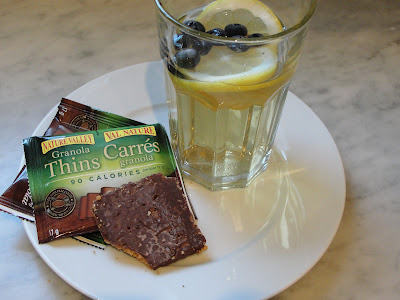 Nature Valley Granola Thins and homemade iced tea