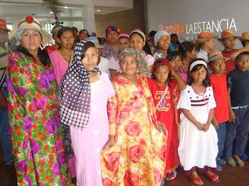 NIÑOS WAYUU DE VISITA EN LOS ESPACIOS CULTURALES