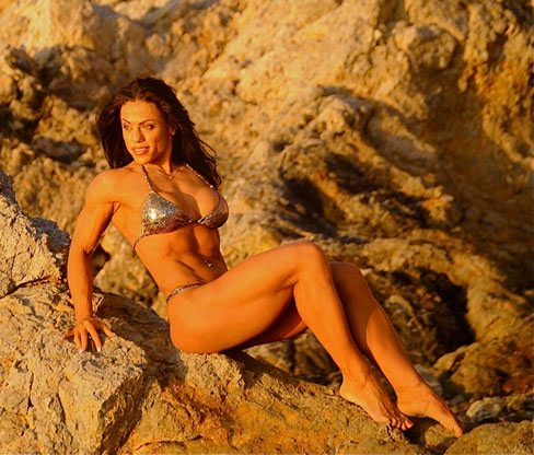 Mavi Gioia Female Muscle Bodybuilding Blog Flexing
