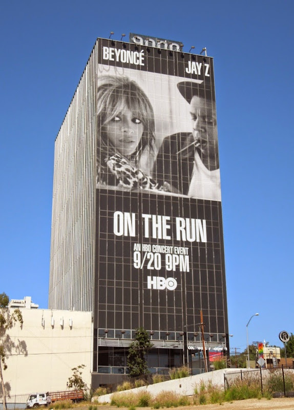 Giant Beyoncé Jay Z On The Run concert billboard