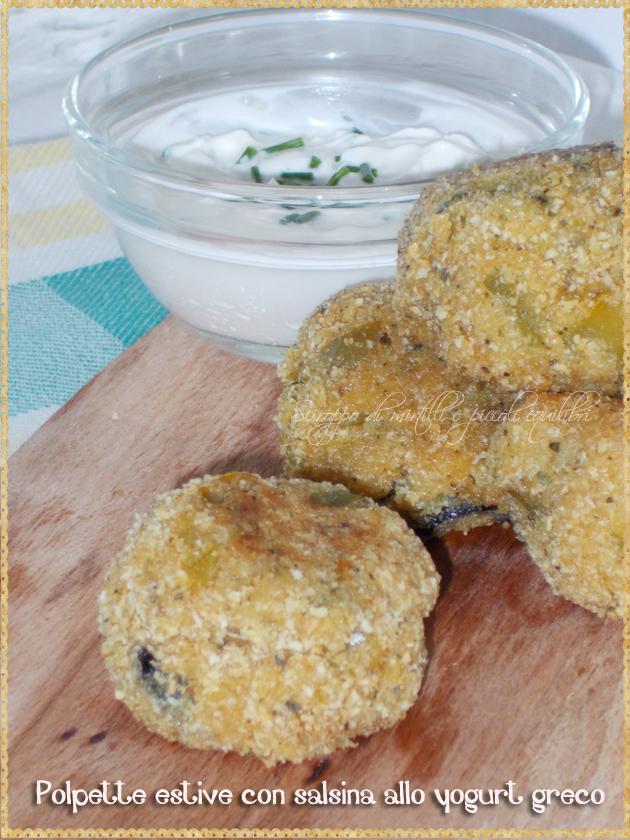 Polpette di patate zucchine peperone olive con salsa yogurt greco