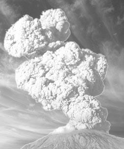 Abu vulkanik dan awan panas merupakan material yang sangat berbahaya bagi makhluk hidup karena dapat mengakibatkan berbagai kerusakan