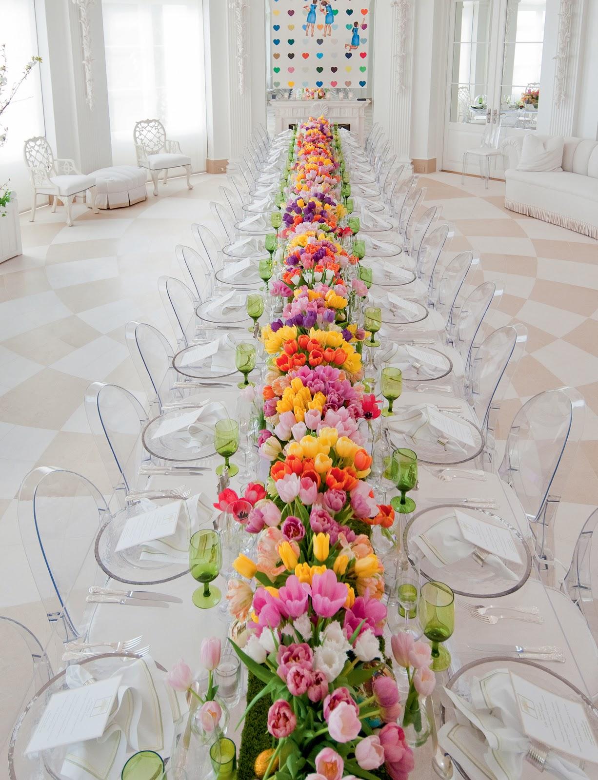 Palm beach entertaining mario buatta and a pagoda pool for Beach house designs florist