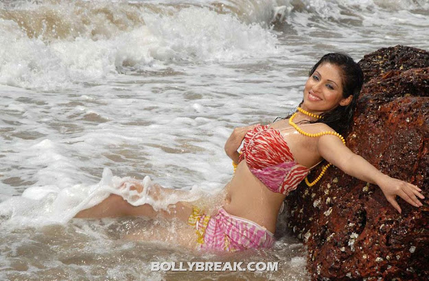 Sada in bikini playing in water - Sada Hot Navel Show on Beach