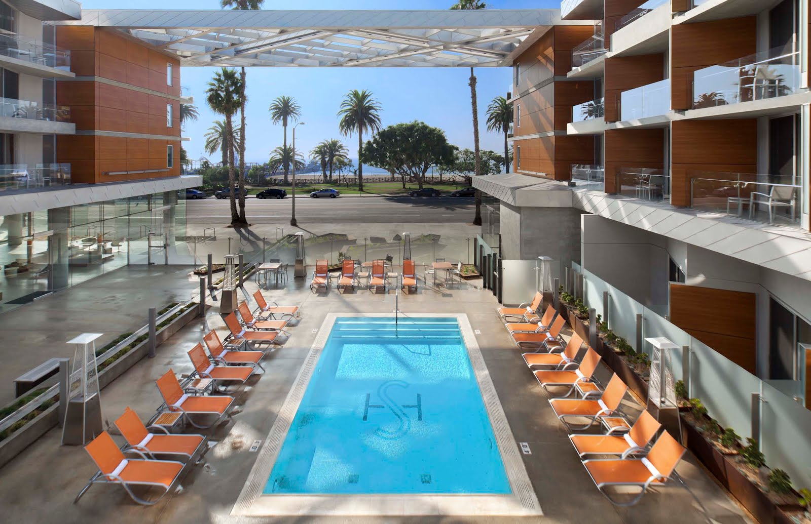 Usgbc blog green hotel case study the shore hotel santa for Hotel california