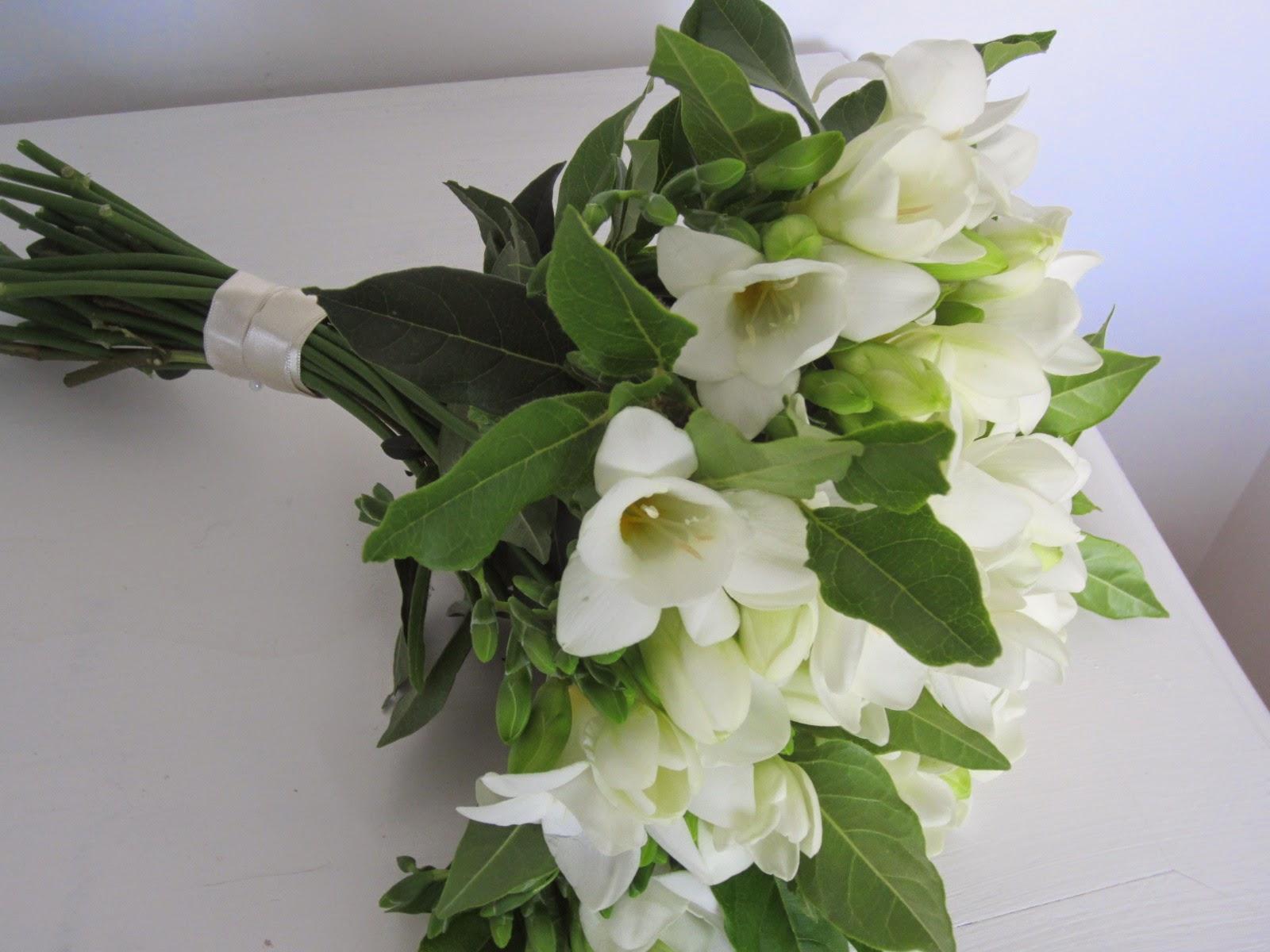 La petite boutique de fleurs fleuriste mariage lyon fleuriste mariage rh ne bouquet de mari e - Prix bouquet de mariee ...