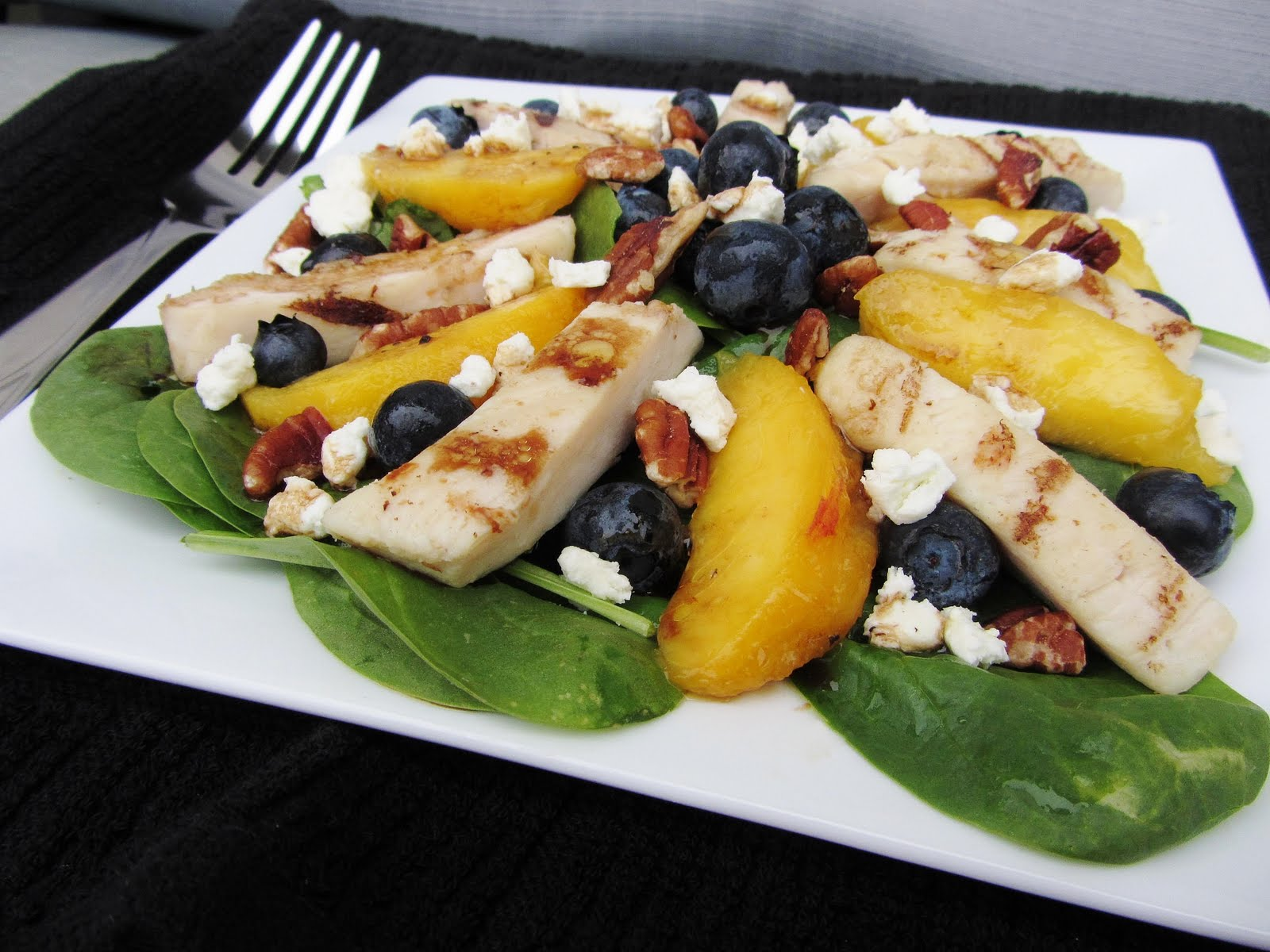 chicken spinach salad peaches blueberries goat cheese pecans