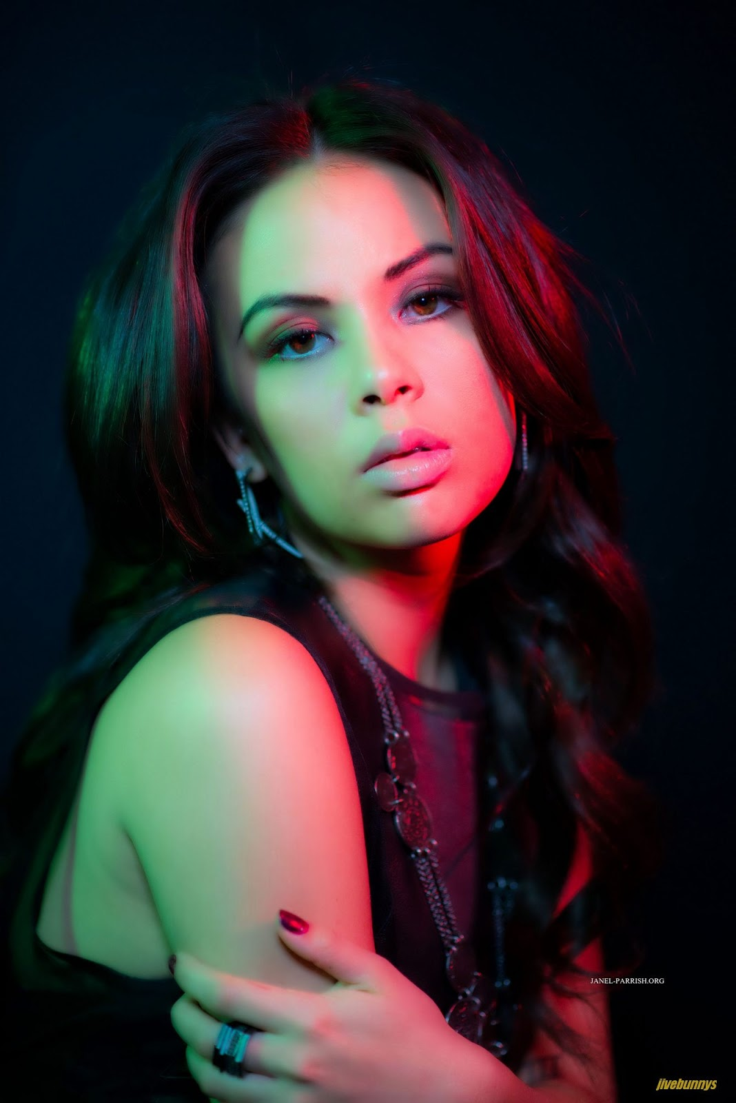 Jivebunnys Female Celebrity Picture Gallery: Janel Parrish ... Jessica Alba Movies