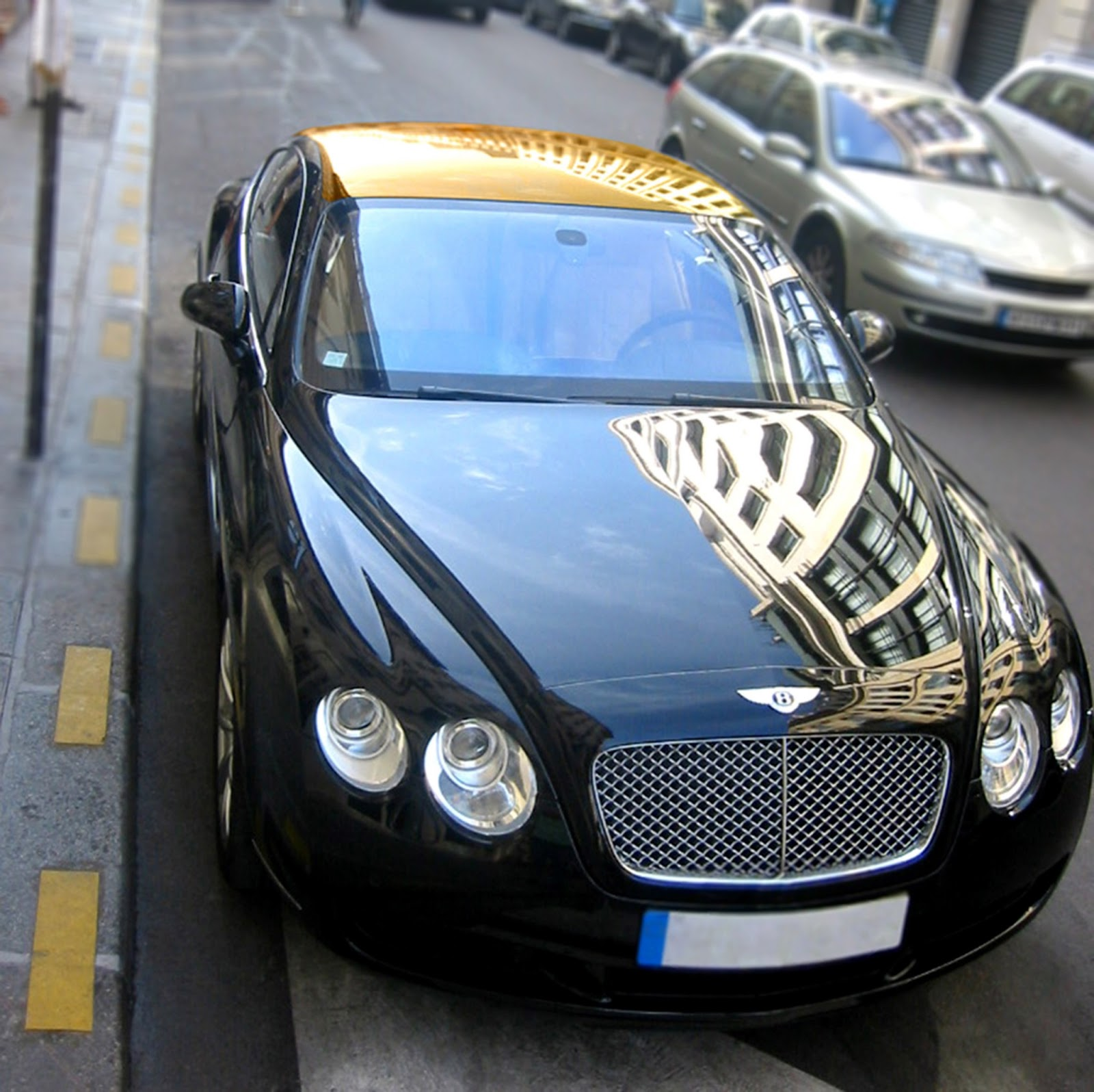 Bentley And Aston Martin With The Golden Roof 2008