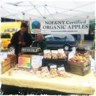 organic apple stand