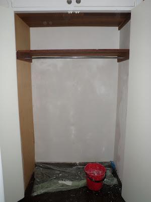 http://jarrahjungle.blogspot.com.au/2012/04/my-shoe-cupboard.html