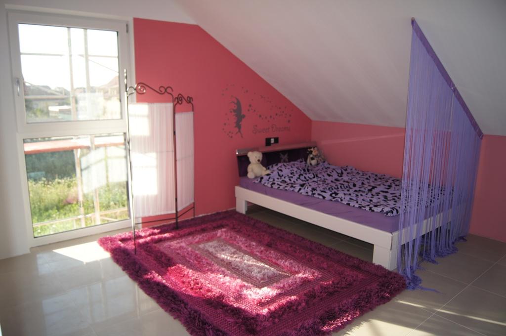 Begehbarer kleiderschrank dachschräge vorhang  De.pumpink.com | Wohneinrichtung Ideen