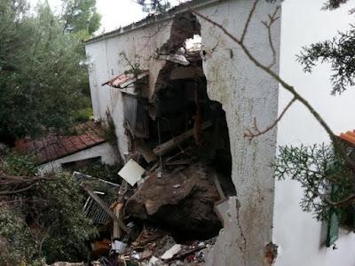 buongiornolink - Tragedia a Mondello, masso sventra casa donna muore travolta nel sonno