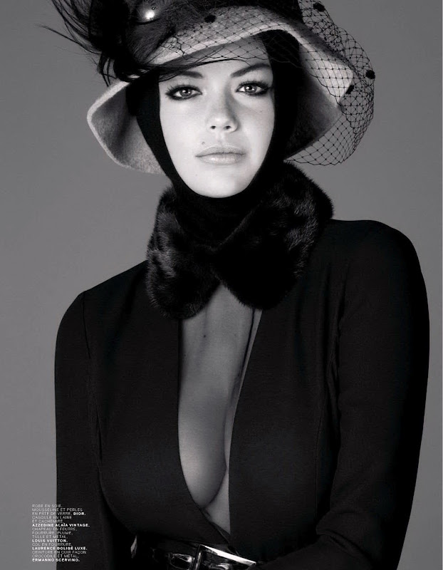Kate Upton black and white photo