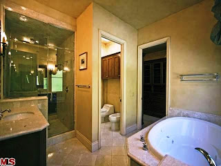 Bathroom-Tuscan Home Decorating Ideas, Tuscan Home Decorating Photos, Tuscan Home Decorating Design