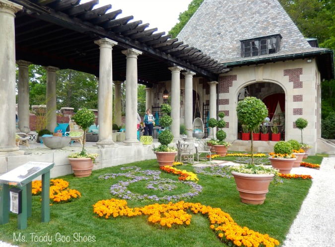 Mega-Mansion Tour: Outdoor Spaces | Ms. Toody Goo Shoes