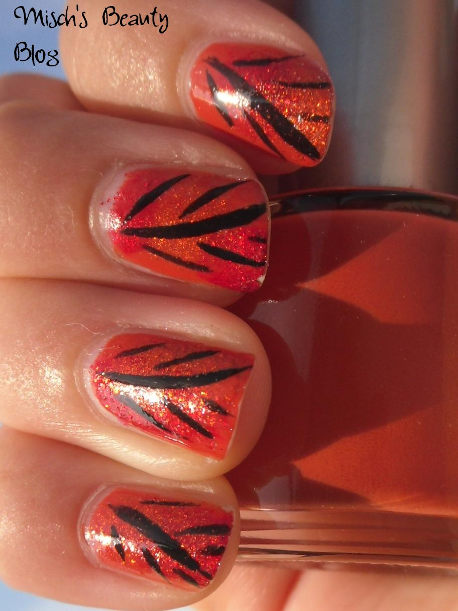 Misch\'s Beauty Blog: NOTD September 29th: Fall Leaf Nail Art