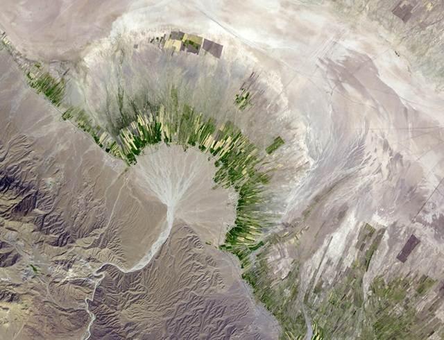 gambar-satelit-sungai-bawah-tanah-iran