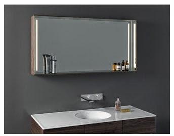 Зеркала с внутренней подсветкой создают неповторимую шикарную атмосферу в ванной комнате.