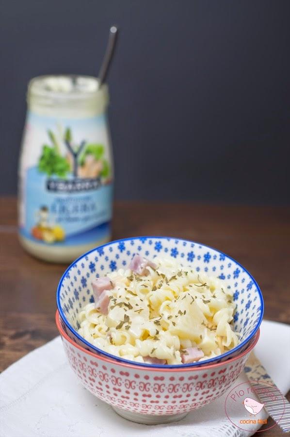 Ensalada de pasta tropical: fácil de hacer, ligera y refrescante. ¡Lo tiene todo!