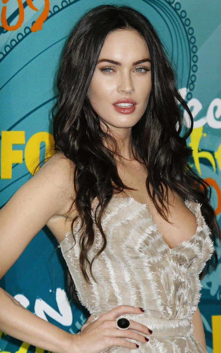 Fresh Look Like Megan Fox Hairstyles 07