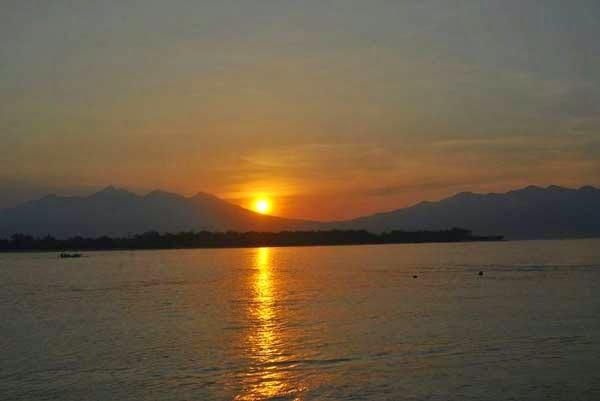 Foto Sunrise dari teman - visit indonesia - awesome indonesia