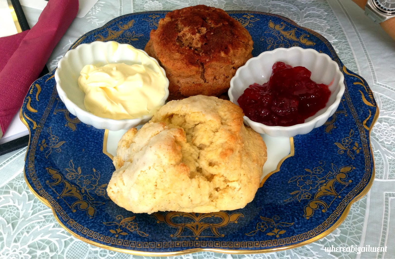 Lady Dinah's Cat Emporium Scones