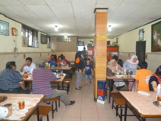 El comedor del restaurante Nikmat