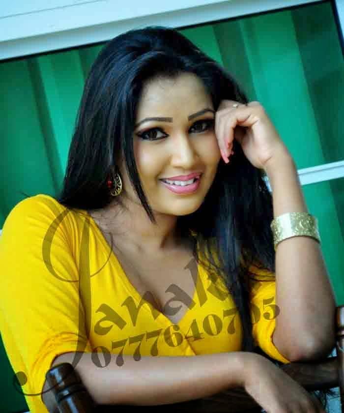 Ashiya Dassanayake sl model