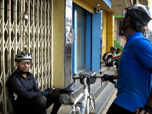 Cyclists at India One ATM in Denkanikottai