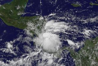 Tiefdruckgebiet Zentralamerika am 14. November 2011