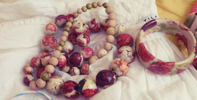 wooden floral handmade statement jewelry - necklace and bracelet