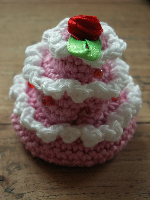 crocheted petit fours