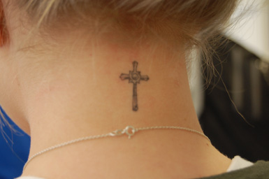 small-cross-tattoos