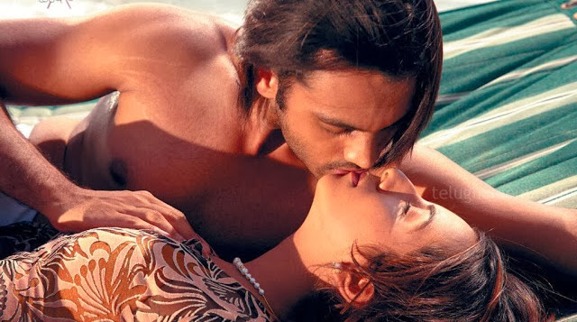 Sanjana kannada Sexy Actress Boobs Press | Bed Scene indianudesi.com