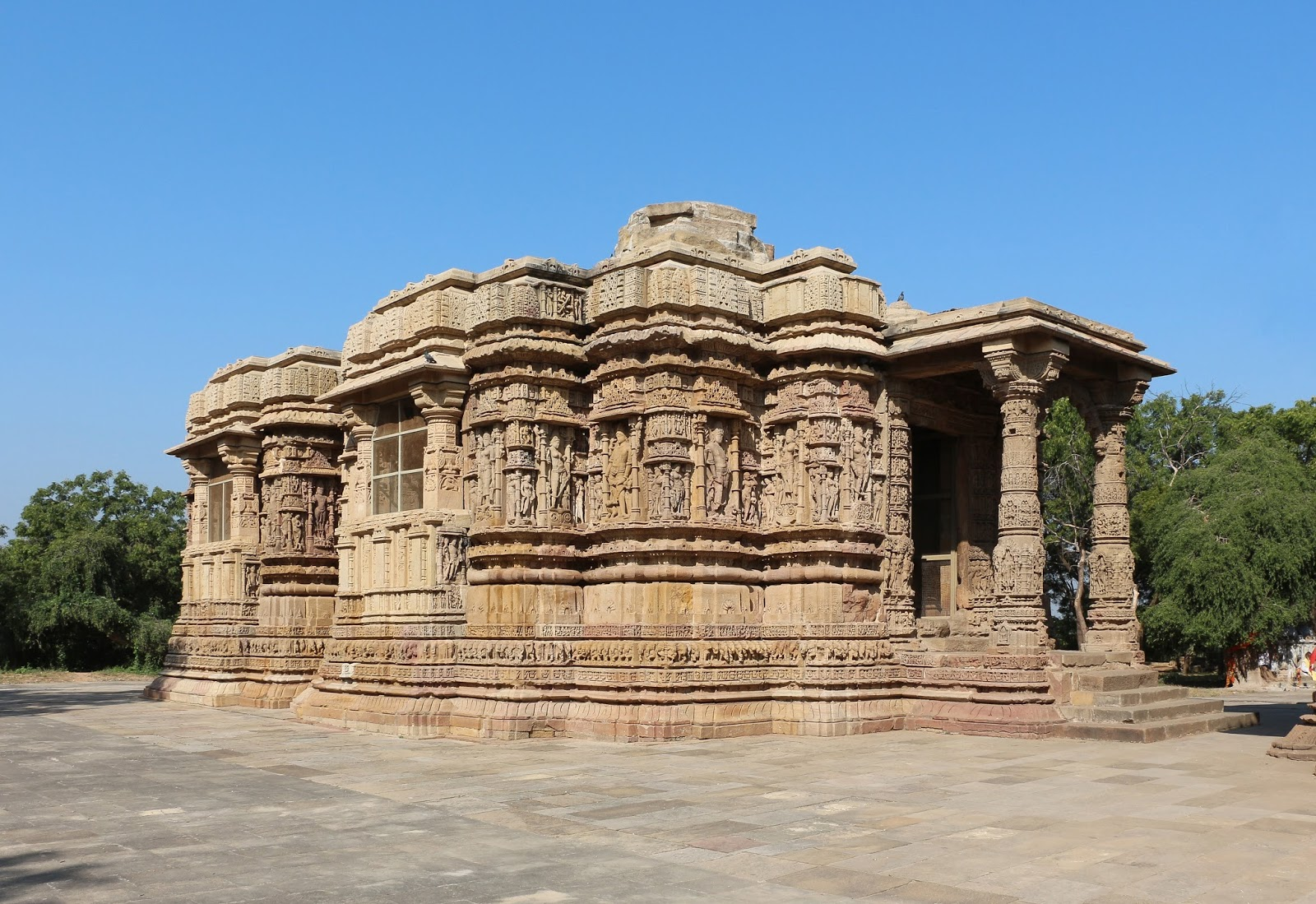 modhera temple It's early days, rather hours, in gujarat and i feel one can spend months here another hidden gem awaited at modhera – a sun temple.