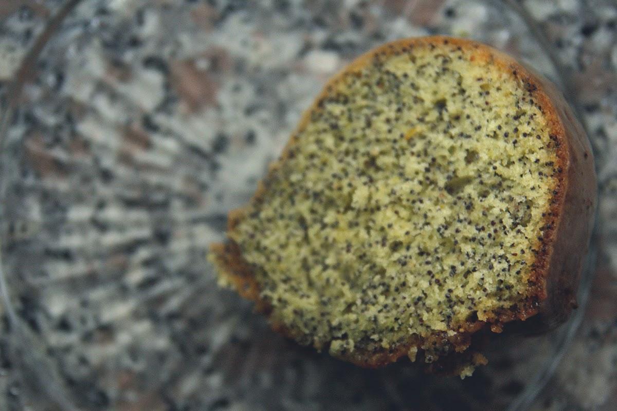 citrus and poppy seeds cake.