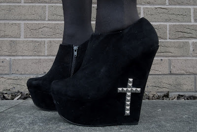 Sammi Jackson - DIY Cross Wedges
