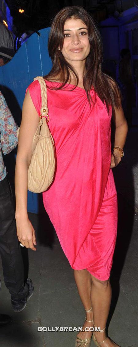 Pooja Batra Pink Dress - (19) - Celebrity Pictures in Neon Dresses - Bollywood, Hollywood