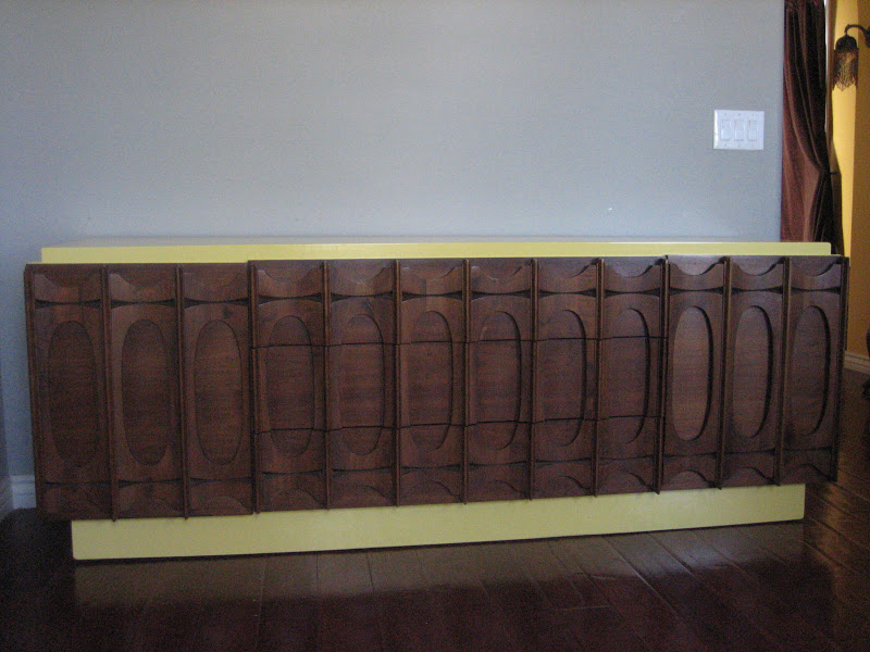 European Paint Finishes Retro Yellow And Brown Dresser
