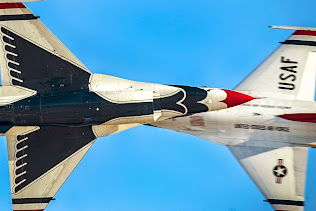 U.S. AIR FORCE THUNDERBIRD'S DEMONSTRATE FLYING SKILLS